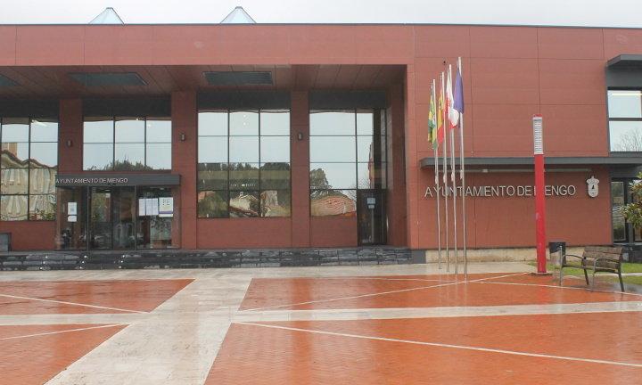 El Ayuntamiento de Miengo cancela la atención presencial al público tras los positivos de una concejala y un funcionario