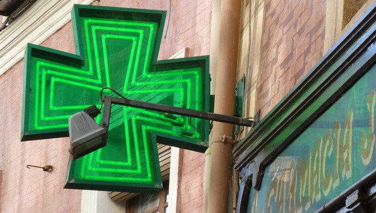PRC y PSOE rechazan que las farmacias puedan hacer test Covid
