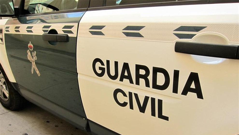 Apuñalados dos hombres a la salida de un bar en Villaescusa, uno de ellos agente de la Policía Local de Camargo fuera de servicio