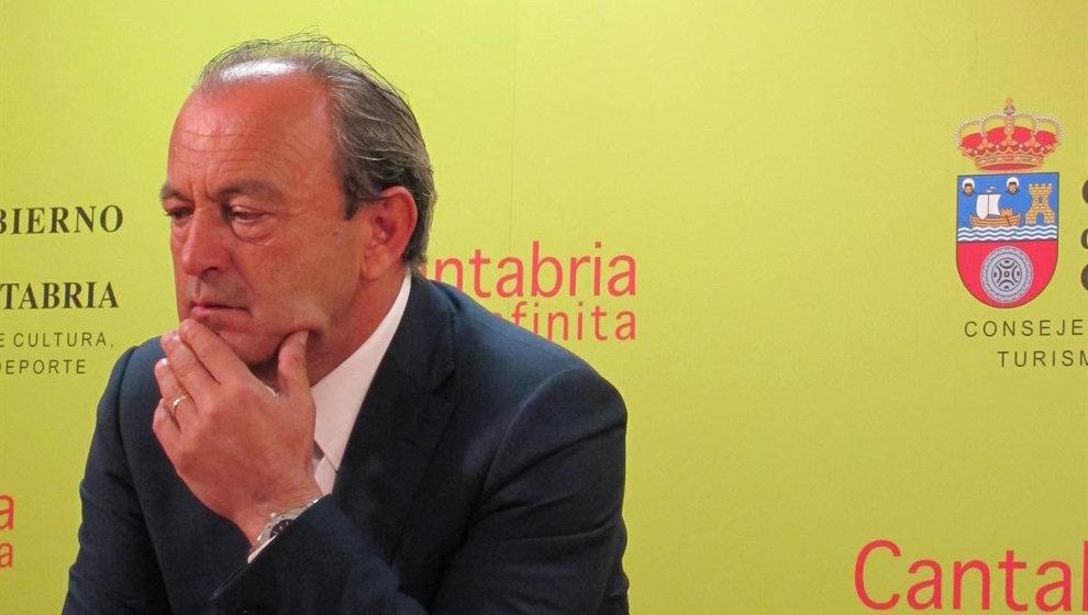 Marcano toma posesión de la Consejería de Turismo el día que cumple 66 años