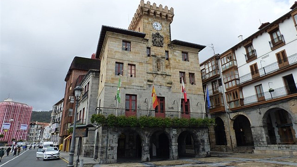 Podemos solicita que el Ayuntamiento de Castro Urdiales se persone como acusación en el caso de las nóminas y sobresueldos de tres exalcaldes