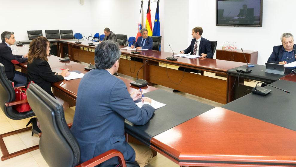 """CCOO y UGT avisan de movilizaciones si """"se entierra"""" el Diálogo Social, que consideran """"menospreciado"""" por el Gobierno"""