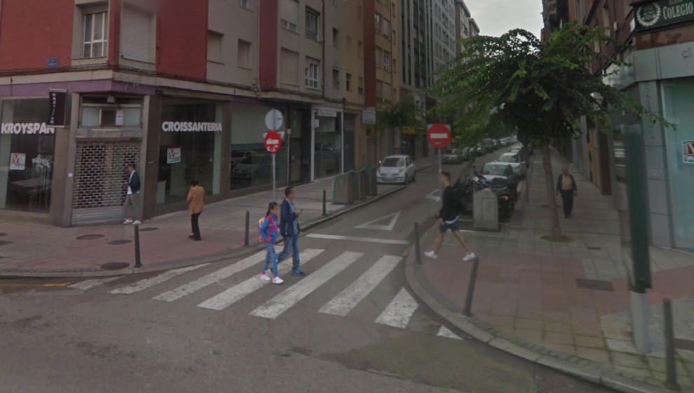 Heridos un hombre y una mujer arrollados por un turismo en un paso de cebra de Santander