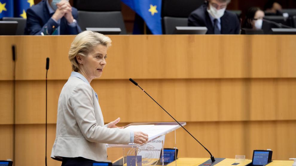 """Bruselas espera que los primeros europeos se vacunen a """"finales de diciembre"""" si hay permiso de EMA"""