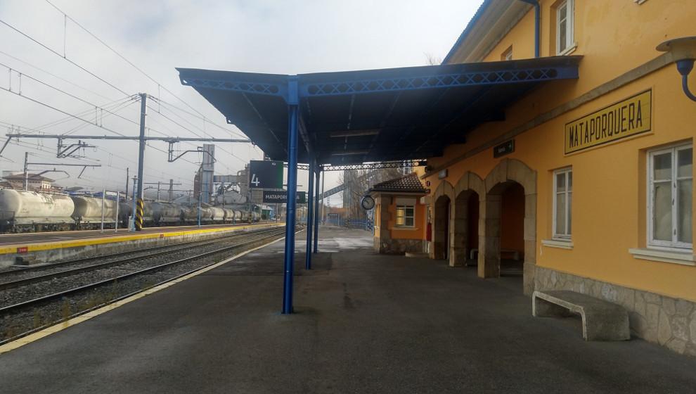 Adif inicia las obras de adaptación de la vía de apartado en la estación de Mataporquera