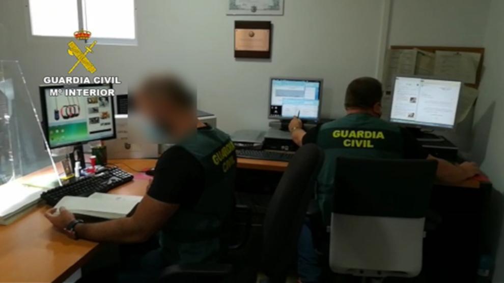 Detenidos por estafas 19 miembros de dos organizaciones criminales, una de ellas asentada en Cantabria que vendía escopetas