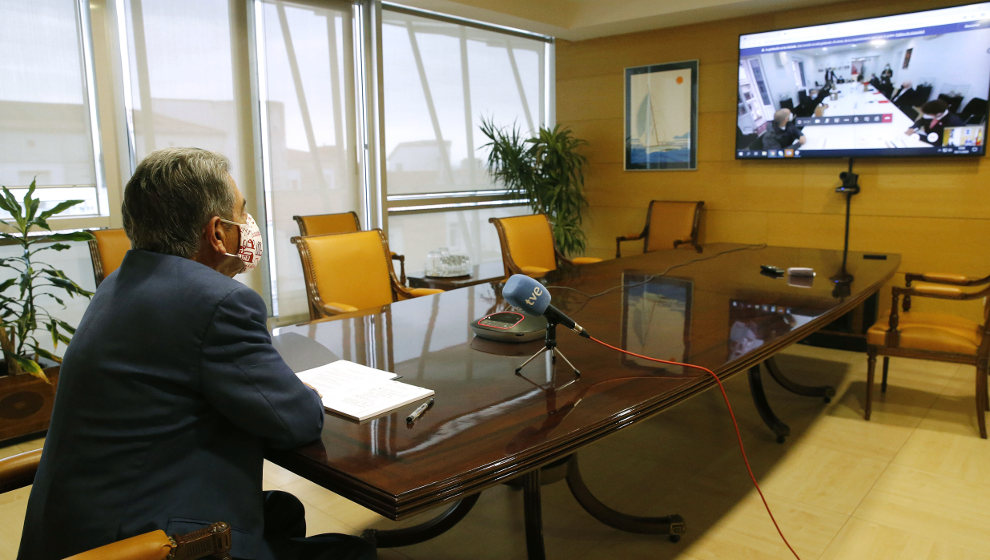 Revilla llama al sector conservero a aunar esfuerzos para lograr la IGP de la anchoa del Cantábrico