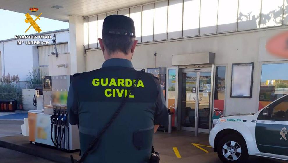 Tres detenidos por estafar 135.000 euros usando tarjetas de combustible para repostajes ficticios