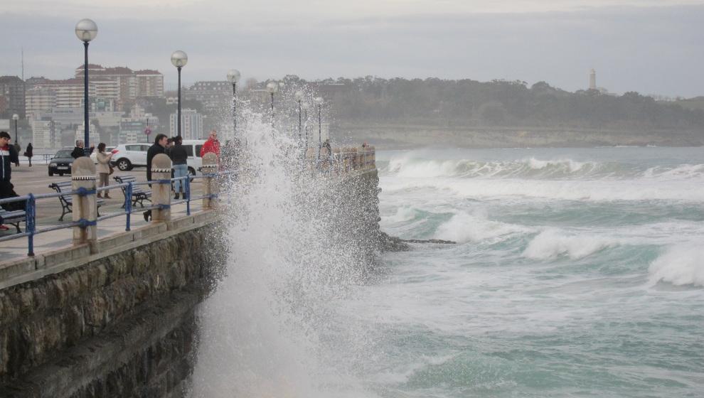 AEMET amplía el aviso naranja por fenómenos costeros hasta el final del sábado