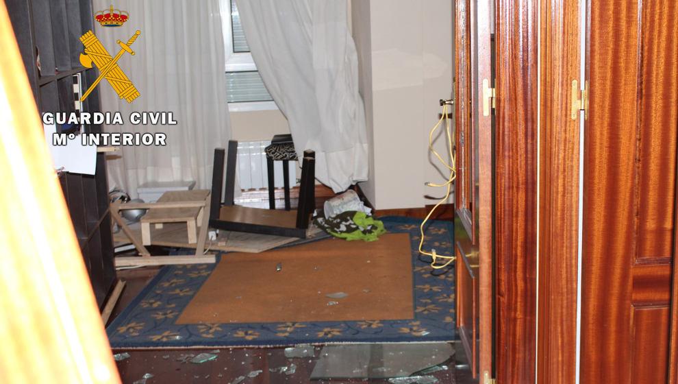 Detenido por retener de forma ilegal a una mujer en un piso en Ampuero