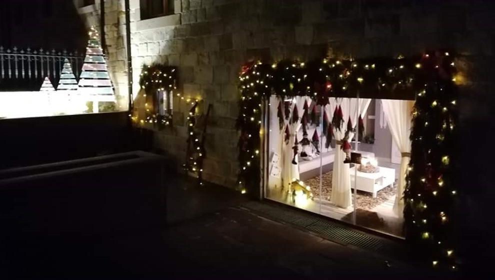 Una casa de Villasuso, ganadora del II 'Concurso de decoración navideña'