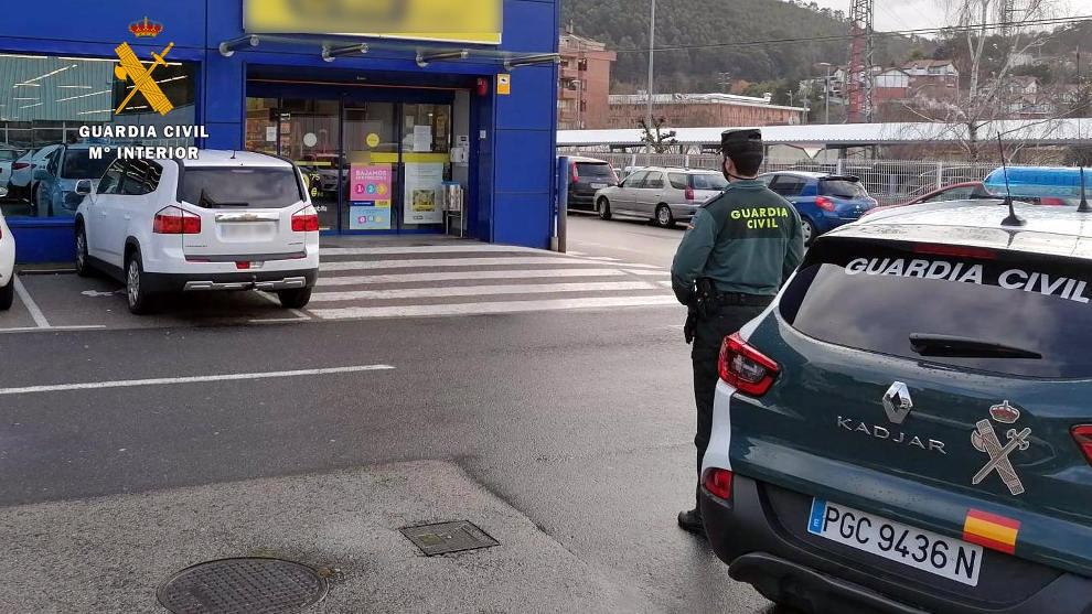Investigan a una hostelera de Castro por comprar productos robados en supermercados