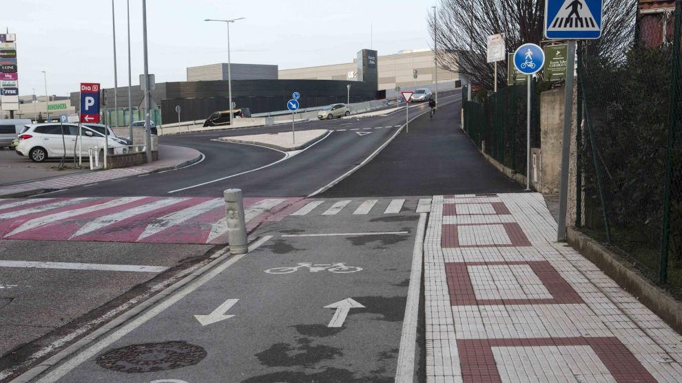 Camargo establece un desvío alternativo para peatones y ciclistas en el puente que une Cros con Alday por obras de urbanización de los viales de Bahía Real