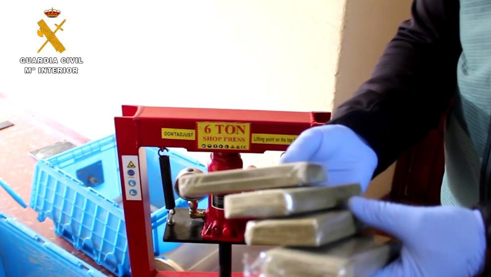 Desarticulado un grupo violento dedicado a tráfico y elaboración de droga en Cantabria