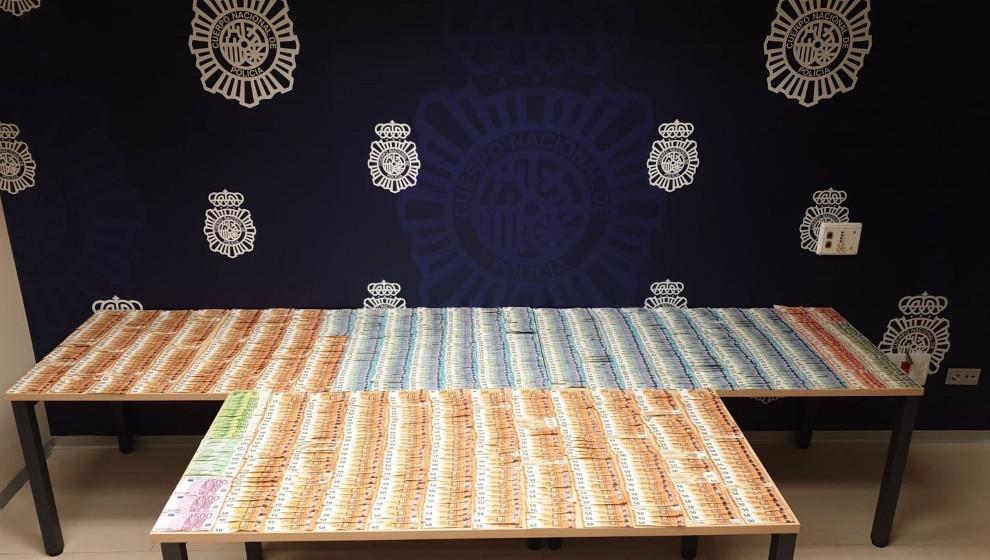 La Policía interviene 49.000 euros escondidos en un vehículo en el marco de una operación por tráfico de droga