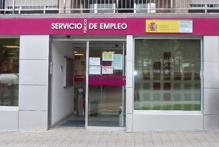 Cantabria lidera la subida del paro econom a for Oficina empleo cantabria