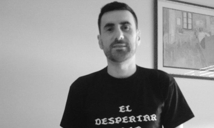 El escritor cántabro Sergio Araujo