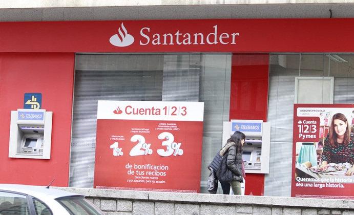 El santander reduce un 37 su red de oficinas en espa a for Sucursales banco espana