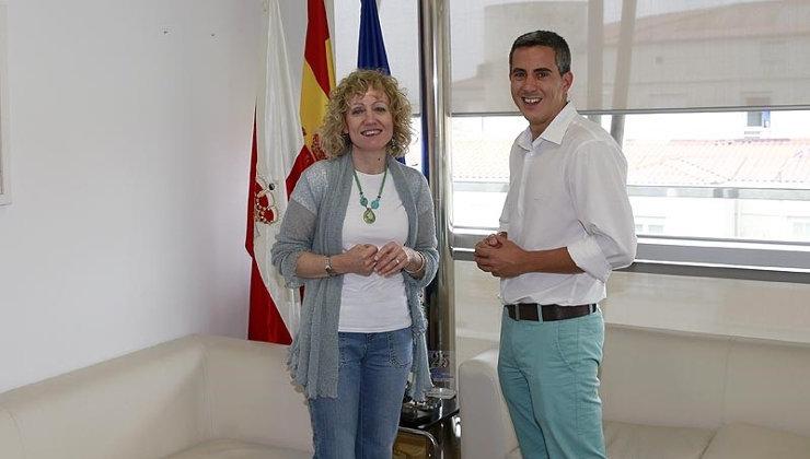 """Zuloaga cree que Eva Díaz Tezanos tiene un """"perfil extraordinario"""" para ser la nueva gerente del Patronato de la Fundación Comillas"""