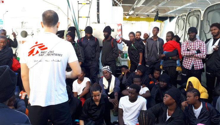 MSF team onboard Aquarius explain to people rescued that they will disembark this morning in port of Valencia and what they can expect. People are calm and pleased to be arriving in Spain.