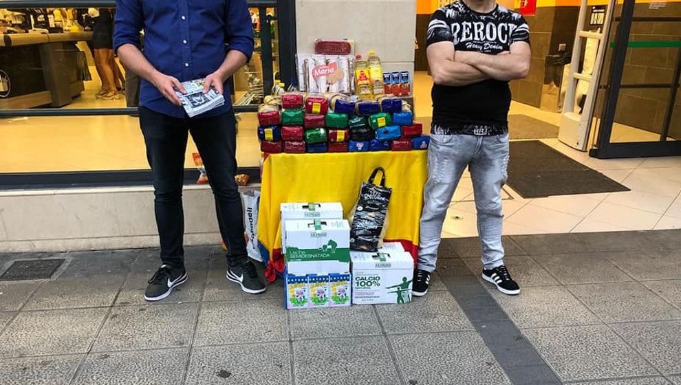 """Reparto de comida """"sólo para españoles"""" de la Asociación Cultural Alfonso I en Santander"""