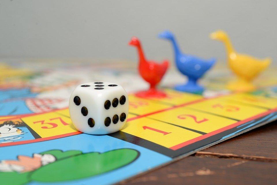 Descubre Cuales Son Los Tipos De Juegos De Mesa Disponibles En El
