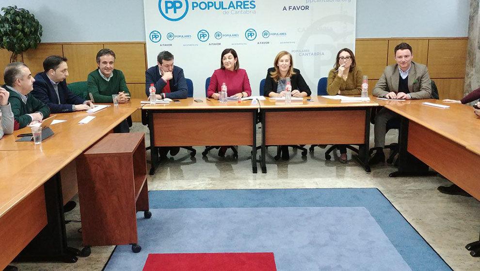 PP | La presidenta del Partido Popular de Cantabria, Mª José Sáenz de Buruaga, ha convocado a los medios para comparecer tras la celebración del Comité Ejecutivo Regional tras los contactos con otras fuerzas políticas en Cantabria. 2019010821292716761