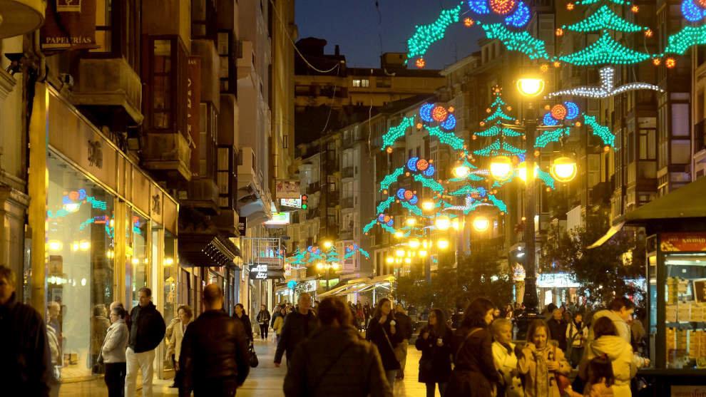 Cantabria sufrirá una caída de la contratación del 32% en la campaña de Navidad por el Covid