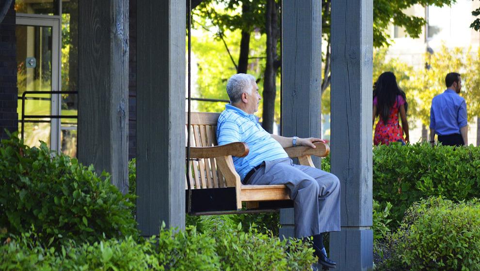 La pensión media de jubilación alcanza los 1.243 euros en octubre en Cantabria