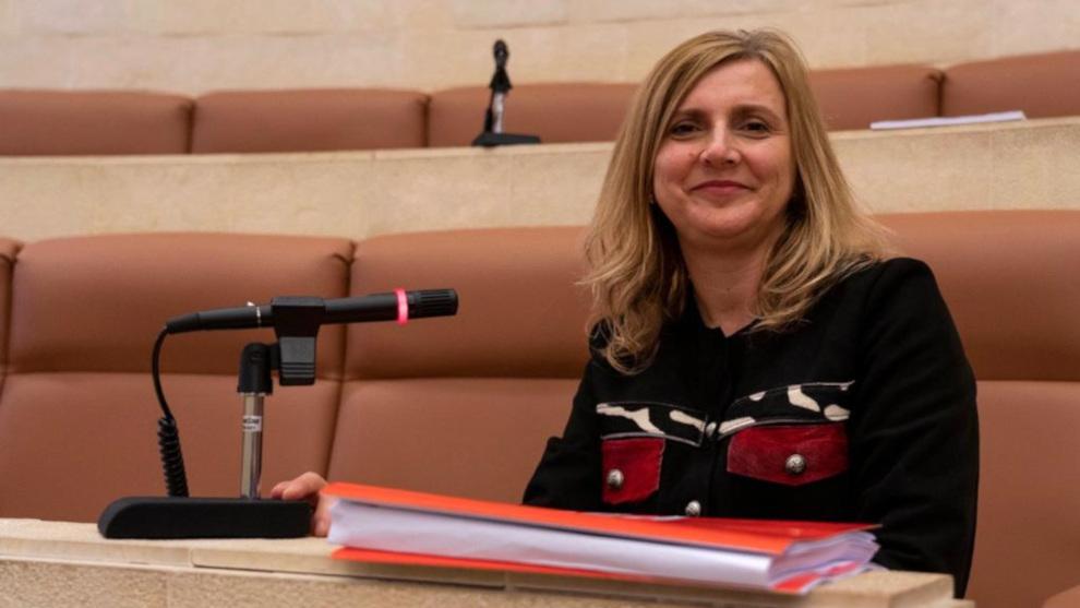El PSOE pide en el Parlamento impulsar planes de igualdad en la Administración Pública y las empresas