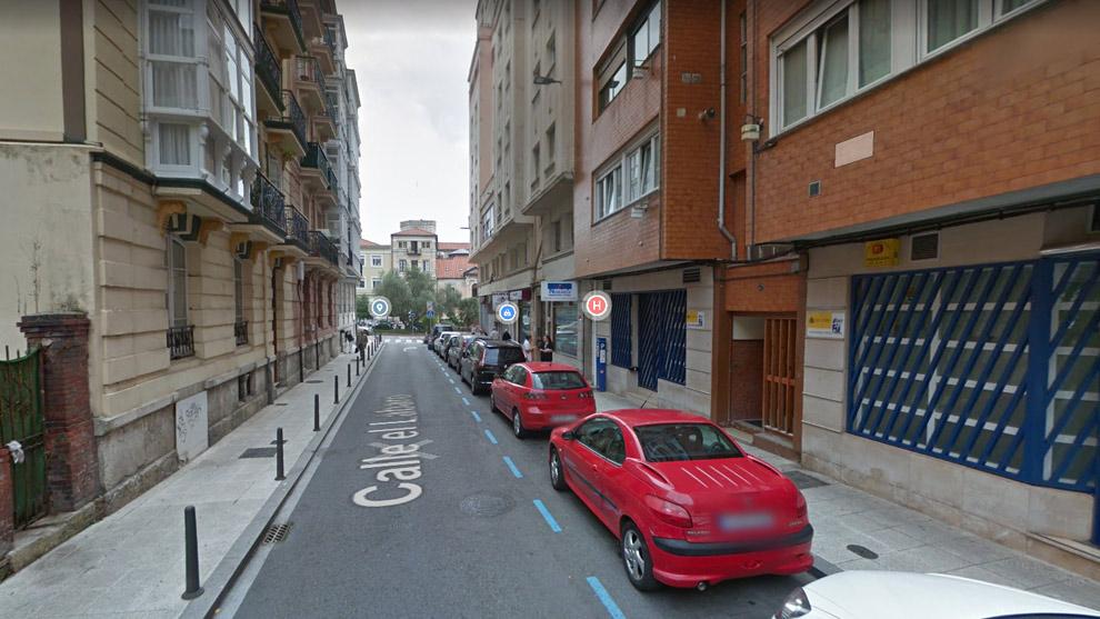 Detenido de madrugada en Santander por agredir a su pareja en la calle tras una discusión