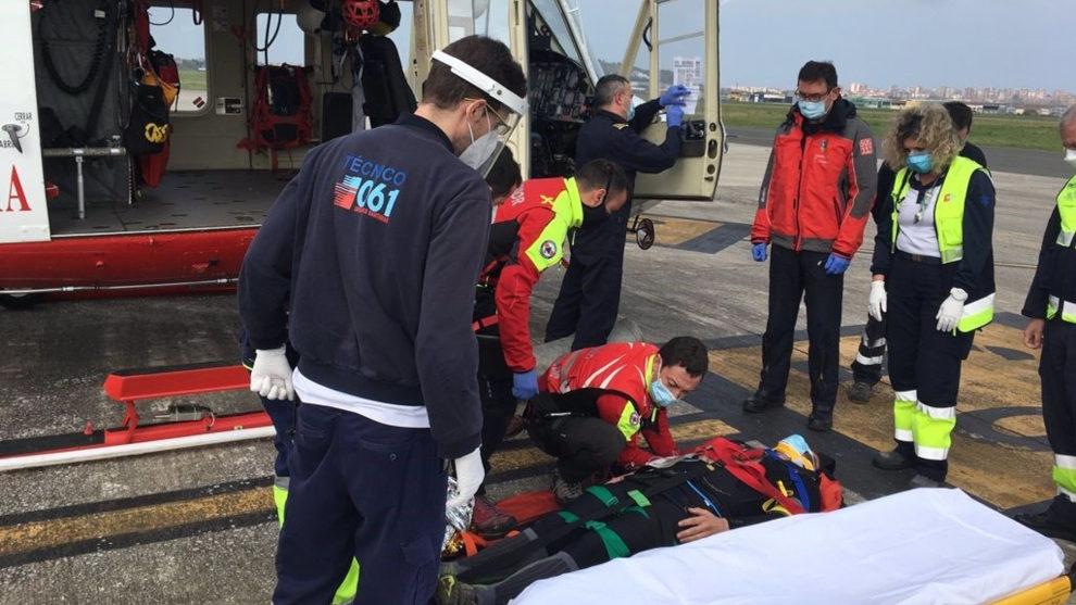 Rescatan a un ciclista tras perder el conocimiento al sufrir una caída en Collado de Cieza